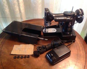 Singer Featherweight Sewing Machine 222K