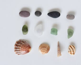 Beach pebble, sea glass and seashells magnets, Pack of beach find magnets, Fridge magnets from the beach,  Beach home decor set