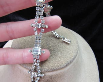 Vintage Signed La Rel Clear Rhinestone Bracelet