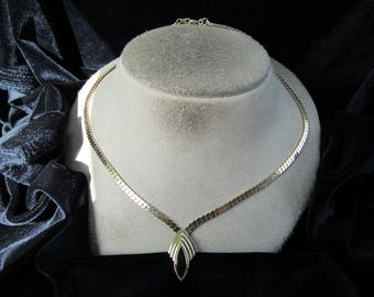 Vintage Goldtone & Black Glass Pendant Necklace