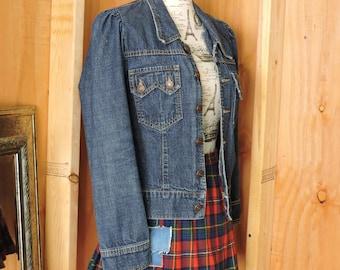 Denim jacket / size S / M / dark wash 90s denim jacket / jean jacket / Kitsch made in USA