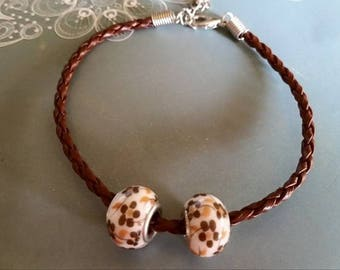 Bracelet Brown braided leather with beads
