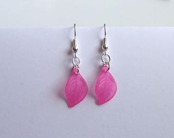 1 pair of simple and pretty dangling fuchsia silver metal leaf earrings