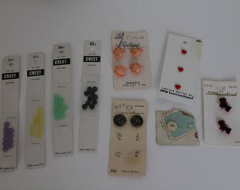 Lot of vintage buttons, new buttons, old buttons, pack of buttons,