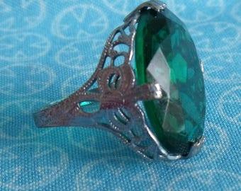 Vintage Filigree Ring Large Green Stone Size 6.5