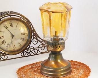 Rustic Oil Lamp/Oil Lamp/Kerosene Lamp/Vintage Lamp/Copper Oil Lamp/Amber/Lamp Post/Hurricane Oil Lamp/Rare Oil Lamp/Glass Shade/Amber Lamp