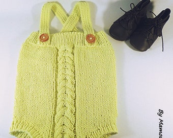 Baby romper (3 months) hand-knitted in a soft yarn 100% cotton yellow chick