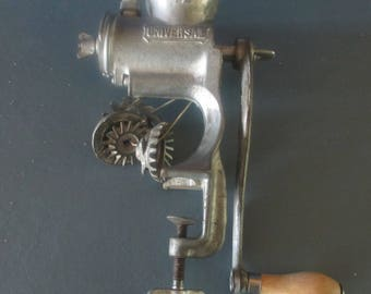 Universal Meat Grinder No. 72 hand food chopper USA vintage 3 attachments