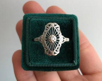 Art Deco Filigree Ring with Antique Diamond
