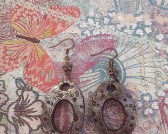 CLAY DANGLE EARRING