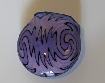 Purple and pink hollow wigwag pendant
