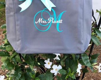 Personalized Bridal tote bags , bridesmaid gifts , tote bag , bachelorette party gift , destination wedding bag , bridesmaid bags