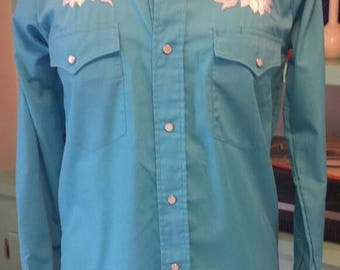 25%OFF Karman Western Shirt Blue with White flowers and White Pearl Snap Buttons  // 70s // vintage