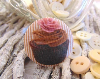 1 button x 19mm BOUT2 Brown cupcake fabric