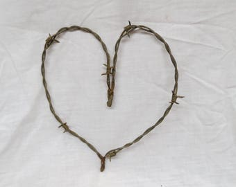 Primitive barbed wire heart
