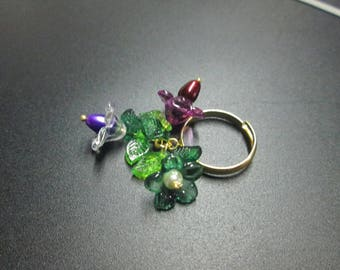 pretty Adjustable ring adorned with three flowers