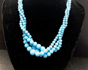 Pretty Vintage Turquoise Blue Milk Glass Necklace