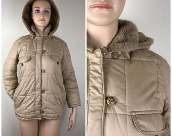 Vintage Womens 1980s London Fog Tan Winter Puffer Coat With Detachable Hood | Size M