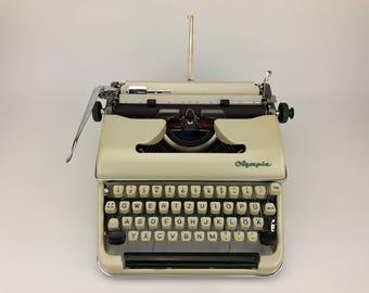 Olympia SM 5 De Luxe - Working Typewriter - Cleaned And Serviced - New Rubber