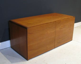 Tapley Teak Floating wall Cabinet 3 of 3
