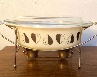 Vintage Pyrex 2.5 Quart Promotional Casserole Golden Hearts with Cradle / #045