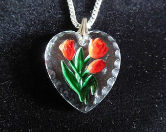 Vintage Clear Heart with Red Rose Bouquet Etched In Center On Silver Tone 21 Inch Chain
