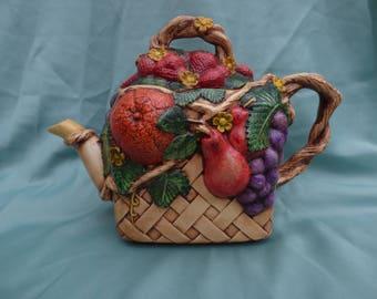 Vintage Novelty Tea Pot by Duncan Enterprises