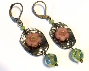 Vintage style Earrings pink and green with antiqued brass