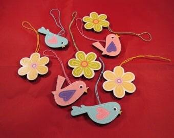8 wooden birds flowers pendant