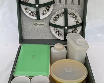 Sirram vintage picnic set, Hawker Marris boxed picnic set for 4 people.