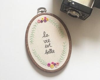 "Wall embroidery ""life is beautiful"""