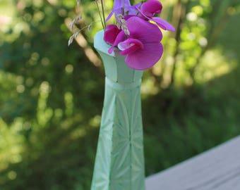 Romantic green flower vase / Shabby chic - refurbished AINA