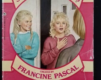 Sweet Valley Twins #7 Three's a Crowd Francine Pascal