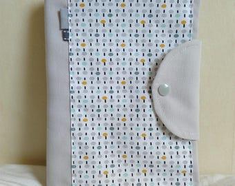 Protège carnet de santé mixte personnalisable gris et blanc petits motifs abstraits pois et tirets