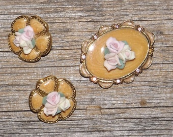 Enamel jewelry set,apricot enamel,porcelain roses,earrings and pin,brooch,pierced earrings,set of 3,gold tone,floral jewelry,pink white rose