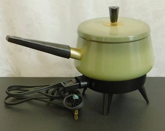 Vintage Chilton Aluminum, Electric Fondue Pot with Forks, Automatic, 2 QT Capacity, Countertop Cheese Melting Cooker, Chocolate Maker, Slow