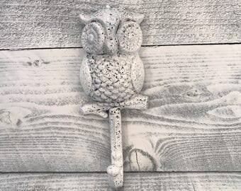 Cast Iron Owl Hook, White Washed Shabby Chic Towel Rack, Farmhouse Country Purse Hanger, Wall Mount, Owls Hooks & Fixtures, Item #530510160