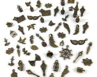 Set of 55 models charms varied metal color bronze