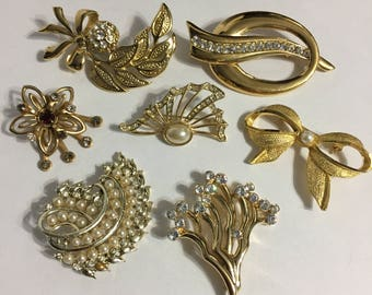 Lot Gold Tone Brooches - Bridal Jewelry - Rhinestones - Pins - Faux Pearls