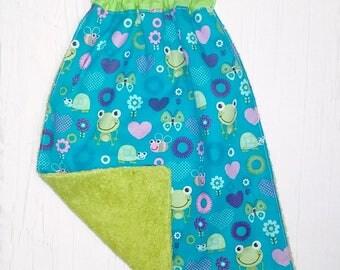 Elasticated towel - frog theme