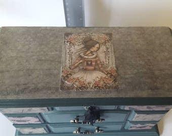 Beautiful upcycled jewellery box