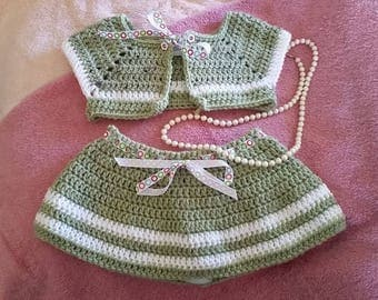 Girls skirt/vest combo, crocheted, green/white, 2T