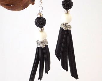 Earrings Black Synthetic Leather and White beads