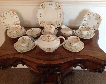 Royal Albert tea set poppy 1927
