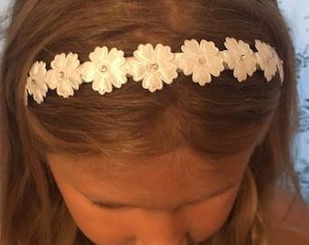 White Bridesmaid hair band, Bridesmaid hair accessories, Bridesmaid Hairpiece, Bridesmaid Headband, Bridal, Wedding, flower girl accessories
