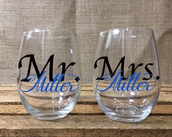 Mr. & Mrs. Stemless Wine Glasses/Personalized Etched Stemless Glassware/Gift for Bride and Groom/Matching Mr. and Mrs. Stemless Wine Glasses