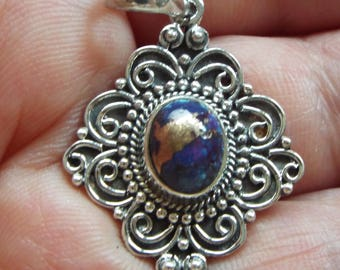 Artisan Crafted Mojave Purple Turquoise Pendant in 925 Sterling Silver (Without Chain) Total Stone weight 1.75 carats