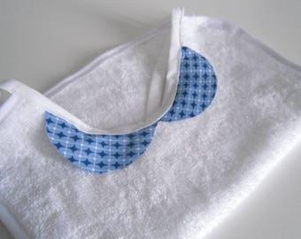 Organic bib claudine collar