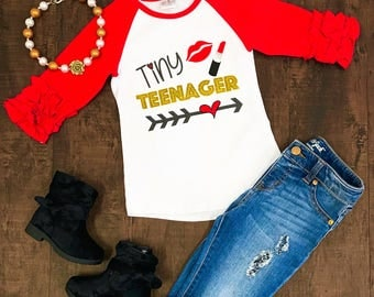 Tiny teenager red white ruffle sleeve shirt