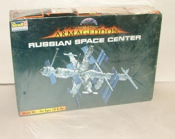 Vintage Russian Space Station model Mint In Box By Revell ***1990's********  ARMAGEDDON